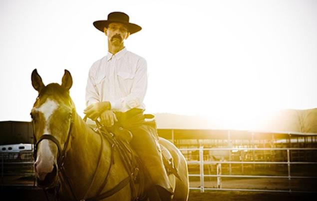 curt-horseback